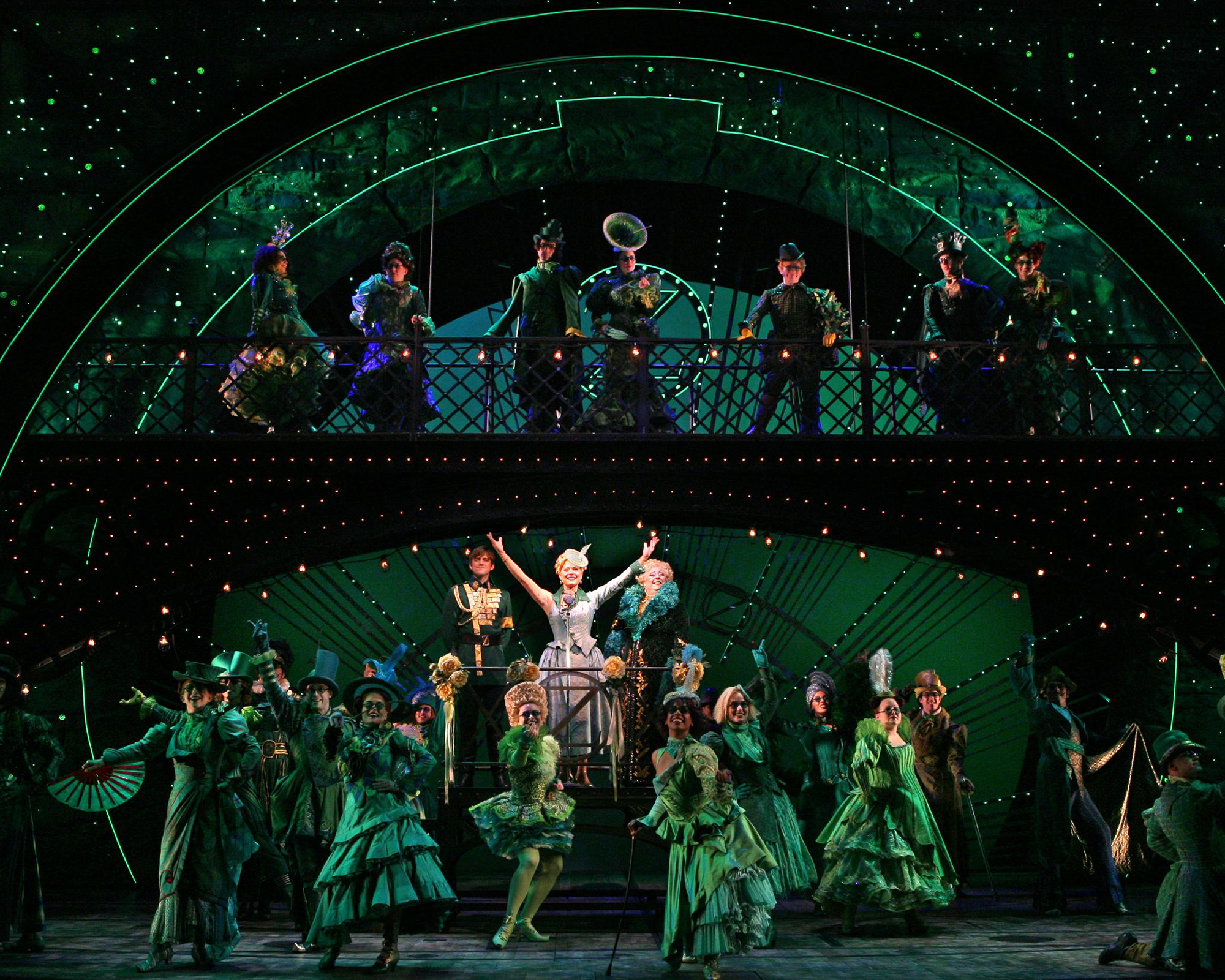 WICKED_Photo_The Company of WICKED_ 2000 x 1600_ Photo by Joan Marcus