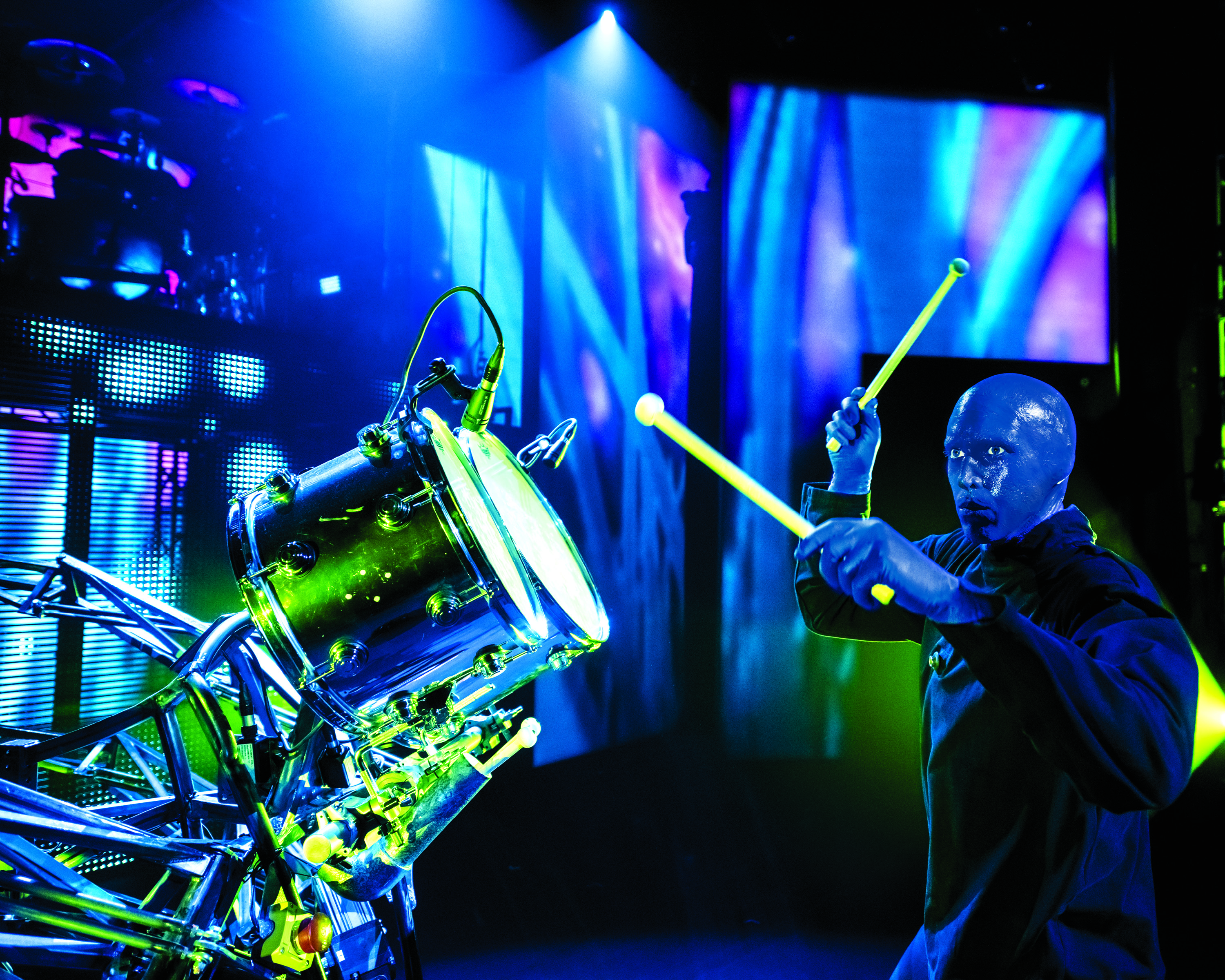 BlueMan_photo_SmallDrum_10x8.jpg.jpg