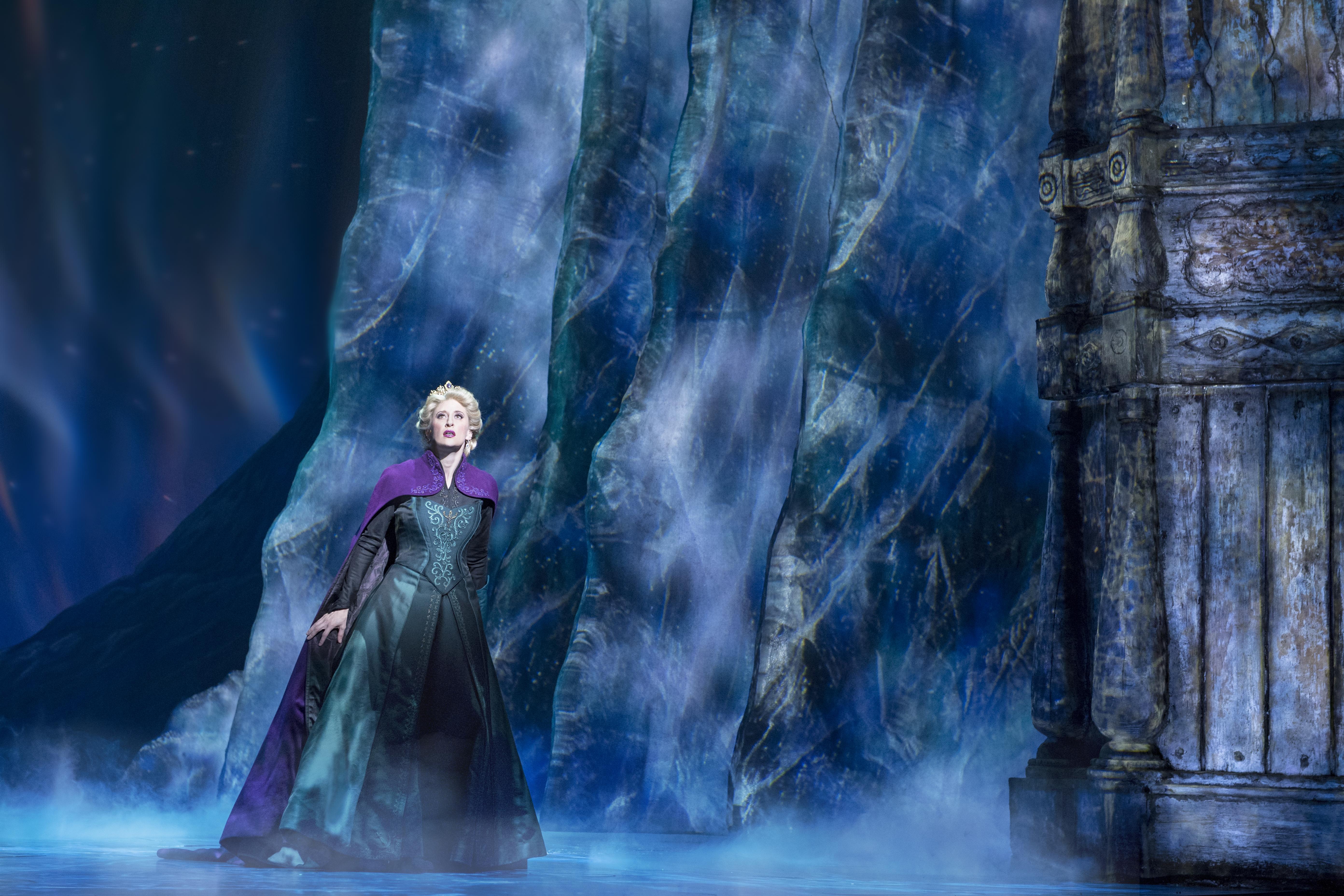 Caissie-Levy-as-Elsa-in-FROZEN-on-Broadway-Freeze.-Photo-by-Deen-van-Meer.jpg
