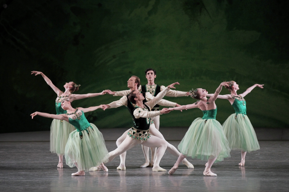 NYCBallet_Jewels_10x8_Credit_Paul_Kolnik.jpg